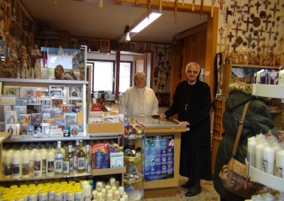 Dienerinnen Christi im Laden in Wigratzbad