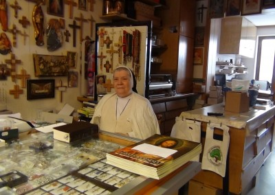 Dienerinnen Christi im Laden in Wigratzbad