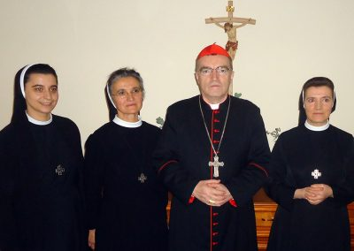 Schwestern mit Kardinal Josip Bozanić